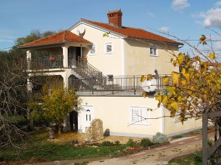 2 bedroom Villa with Internet Access in Krnica - Krnica vacation rentals