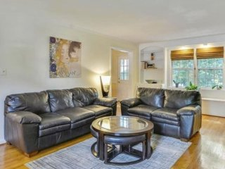 Furnished 3-Bedroom Home at Bradwood St & Braddock Mews Pl Springfield - Springfield vacation rentals