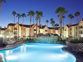 Las Vegas Condo 2BR 1026 sq ft -1 Block from Strip - Las Vegas vacation rentals