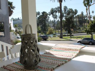 Beautiful 4 Bed Home Near Hottest LA Attractions - Los Angeles vacation rentals