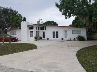 Private modern 3BR home, salt water pool - Bradenton vacation rentals