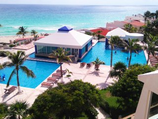 Studio With KitchenOn the Beach  4 people - Cancun vacation rentals