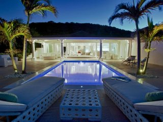La Perla Bianca at Baie Rouge Beach, Saint Maarten - Beachfront, Pool, Romantic - Terres Basses vacation rentals