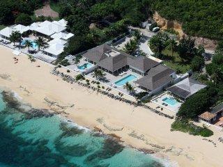 La Perla Palais at Terres Basses, Saint Maarten - Beachfront, Pool, Perfect For - Terres Basses vacation rentals