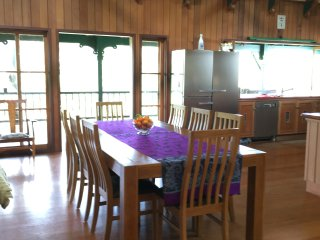Bright 4 bedroom Bed and Breakfast in Kuranda - Kuranda vacation rentals