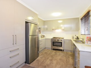 Unwind @ 'North Adelaide' 2 Bedroom Apartment - North Adelaide vacation rentals