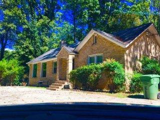 Cozy 2 bedroom House in Atlanta with Internet Access - Atlanta vacation rentals