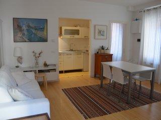 Casa Delfina, contemporary chic - Venice vacation rentals