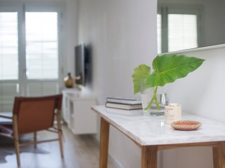 Nice 2 bedroom Colombo Apartment with Internet Access - Colombo vacation rentals