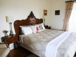 The Grove Cottage - gorgeous rural sanctuary - Boonah vacation rentals