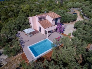 Comfortable Eclectic Villa with Swimming Pool - Rudina vacation rentals