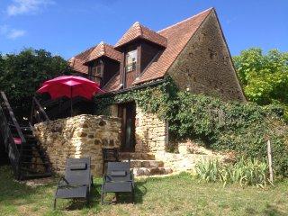 Les Bernardies - Chambre d'Hote Lo Petit Cretsou - Simeyrols vacation rentals