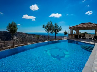 Villa Kyparissos, Kathikas. 6 Bed, 5 Bath Mansion - Kathikas vacation rentals