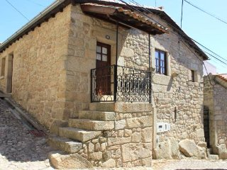 2 bedroom House with A/C in Castelo Novo - Castelo Novo vacation rentals