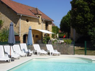 Comfortable House with Internet Access and Shared Outdoor Pool - La Chapelle-Aubareil vacation rentals