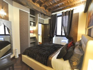 Apartment Trevi Fountain 2, 2 bedrooms, very quiet - Rome vacation rentals