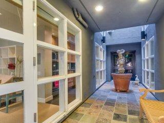 Cozy North Beach Studio - San Francisco Bay Area vacation rentals