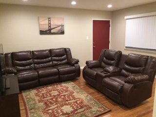 2 bedroom Apartment with Internet Access in Burlingame - Burlingame vacation rentals
