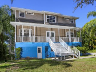 The Lemon Bay Beach Home - luxury waterfront villa - South Venice vacation rentals
