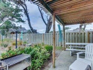 Charming, dog-friendly cabana with serene ocean views & easy beach access - Cannon Beach vacation rentals