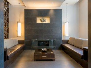 Beautiful Luxury Unit W/Gym, Walk to Train -W44 - Jersey City vacation rentals