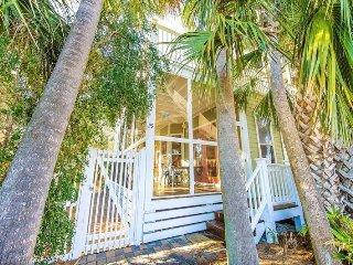 15% OFF NYE  at Going Coastal: 3Bdrm, Sleeps 12, Steps To Beach! - Destin vacation rentals