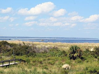 Lighthouse Point Beach Club - Unit 13B - Swimming Pools - Tennis Courts - FREE Wi-Fi - Tybee Island vacation rentals