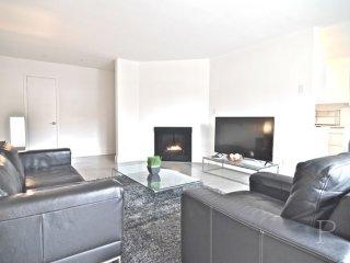 Furnished 3-Bedroom Apartment at Montana Ave & 6th St Santa Monica - Santa Monica vacation rentals