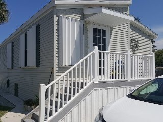 Bright 2 bedroom House in Fort Pierce - Fort Pierce vacation rentals