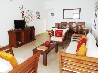 Nice 3 bedroom Mount Lavinia House with Washing Machine - Mount Lavinia vacation rentals