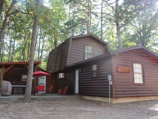 Winding Oaks Cabin/Near Broken Bow Lake - Hochatown vacation rentals