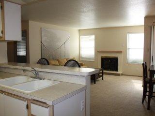 Cozy Apartment in a Quiet Boise Neighborhood - Garden City vacation rentals