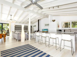 Nice 4 bedroom House in Macmasters Beach - Macmasters Beach vacation rentals