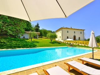 Beautiful 5 bedroom Villa in Pierantonio - Pierantonio vacation rentals