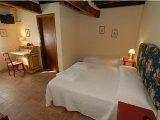 B&B Molenda - Bellissima Camera Tripla - Citta di Castello vacation rentals