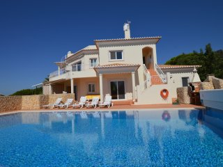 Amazing villa with heated swimming pool - Carvoeiro vacation rentals