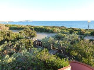 Appartamento sul mare , in prima fila - San Giovanni di Sinis vacation rentals