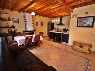Cozy family friendly house.in a peaceful environment - Dodro vacation rentals