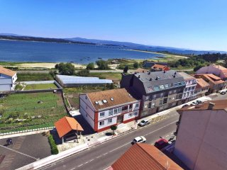Lovely beachfront duplex on Isla de Arousa - Illa de Arousa vacation rentals