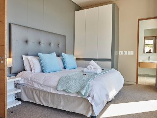 The Odyssey 802 - Sea Point vacation rentals