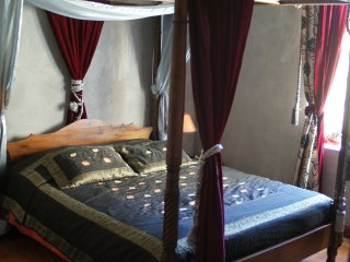 triple suite in heritage mansion near Chauvet cave - Bourg-Saint-Andeol vacation rentals