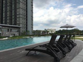 Hyve Suite, Cyberjaya - Clean, Cosy & 100mbps WiFi - Cyberjaya vacation rentals