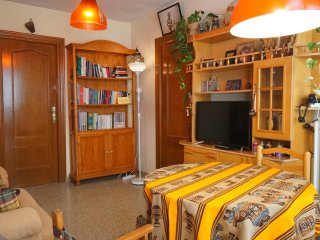 CENTRAL! Opposite to Center of Modern Languages!! - Granada vacation rentals