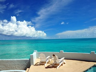 TOTAL PRIVACY, LUXURY OCEANFRONT VILLA & POOL (www.bahamasrentalwatersedge) - Nassau vacation rentals