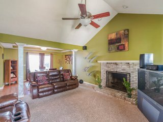 Spacious and Fun/Entertaining House - Cleveland vacation rentals