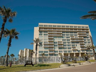 SOLARE BEST PROPERTY IN SPI WITH AMAZING VIEWS. - South Padre Island vacation rentals