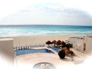 Ocean view villa on white sandy beaches - Cancun vacation rentals