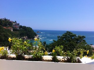 Oceanfront condo in 4**** hotel with private beach - Huatulco vacation rentals