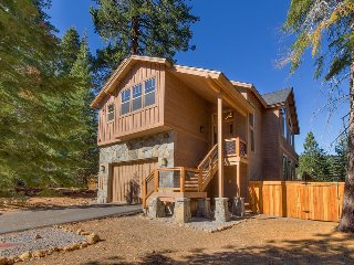 Beautiful home in Tahoe Vista, 4 bedrooms - The Wildwood - Tahoe Vista vacation rentals