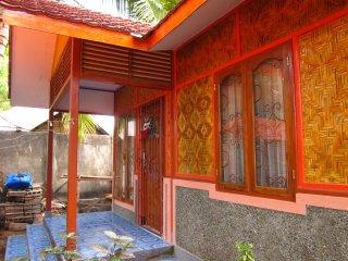 Nice 3 bedroom House in Larantuka - Larantuka vacation rentals